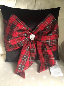 Christmas pillow black velvet with red plaid bow