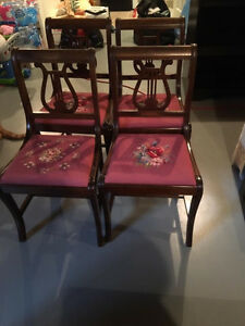 Duncan Phyfe drop leaf table with 4 chairs London Ontario image 6