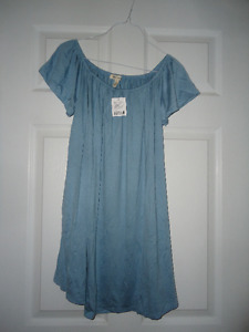 Brand New Urban Outfitters Off the Shoulder Dress