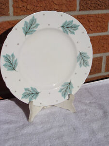 SHELLEY Fine China Plates DRIFTING LEAVES 13848 London Ontario image 2