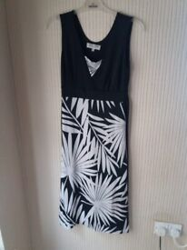 Women's dress size M/L ladies clothes