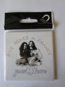 JOHN & YOKO. GIVE PEACE A CHANCE. (voir infos/photos)