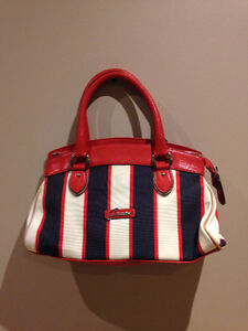 Guess Red/White/Blue Bag West Island Greater Montréal image 1