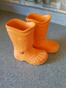 Toddler size 8-9 rubber boots