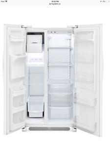 Fridgedaire side by side refrigerator