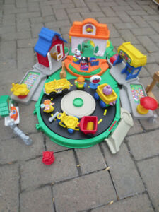 village et chateau little people+garage fisher price