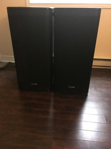 Line 6 Stagesource 1200-Watt Powered Subwoofers
