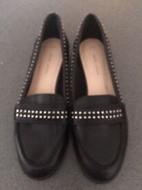 Brand new size 4 new look shows never worn £10