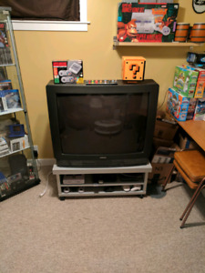 36 inch Hitachi Crt TV and stand