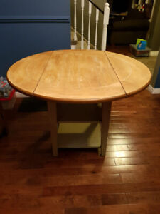 Solid wood table 4ft round with matching chairs