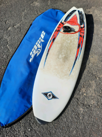 5.10 Fish Surfboard. With Leash bag and fins in vgc