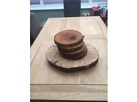 Wooden discs ideal for rustic wedding