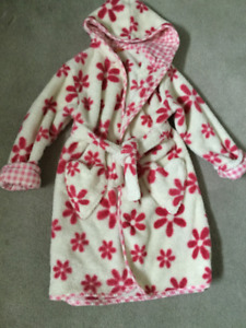 Girls age 3-4 years dressing gown