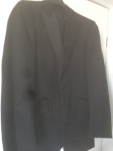 Elegant Men's Tuxedo with shirt and all accessories