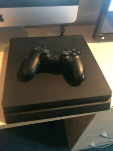 Ps4 slim 1tb one controller 4 months used