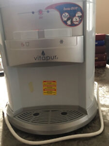 Water Dispensor with Instahot