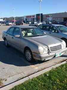 1997 MERCEDES E320 -- AS IS / PARTS