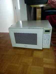 Sharp large microwave