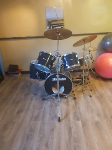 5 Piece Drum Set w/ high hat, 2 cymbals and cow bell