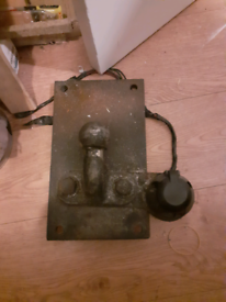 Tow hicth and back plate with electric socket