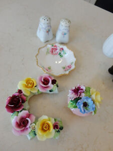 Set of 6 Vintage Early 40's Bone China -S&P Shakers, Bowl, Roses