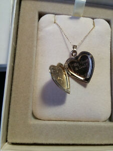 10K Gold Heart Locket with Diamond Accent St. John's Newfoundland image 2