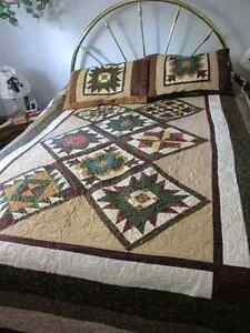 New Hand made Queen size Quilt & 2 Pillow Shams