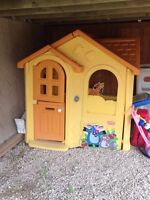 Outdoor play house, chairs and toy