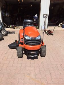 """Demo lawn tractor 22/48 with 44"""" Snowblower"""