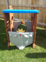 LITTLE TIKES (TYKES) PIRATE SHIP OUTDOOR PLAYHOUSE
