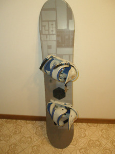 J P Walker 128 cm Snowboard with Bindings sb