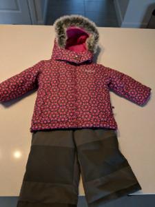 Habit hiver Oshkosh pour bébé fille 12 mois