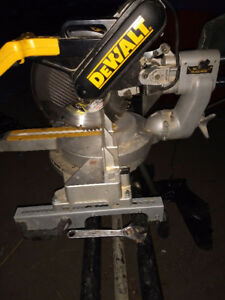 DeWalt compound sliding miter saw