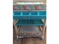 Babylo baby's changing unit with bath and storage