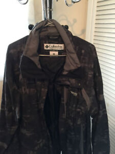 Columbia spring-fall jacket like New, Large good for xl also