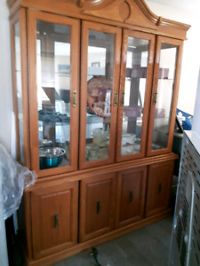 China cabinet with matching table & 6 chairs.