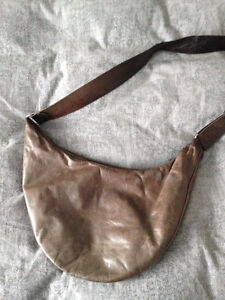 m0851 leather bag