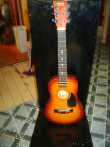 CHILDS REAL 30 INCH GUITAR