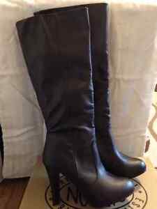 Women's boots size 9
