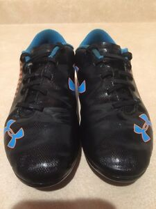 Youth Under Armour Outdoor Soccer Cleats Size 3 Y London Ontario image 4