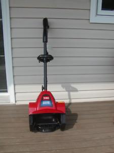 Toro Electric Snow Shovel