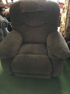 N E W  P R I C E  ** Power Chair - Light brown
