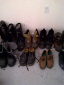 MANY PAIR OF SAFETY FOOTWEAR