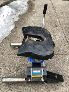 Reese 5th wheel trailer hitch