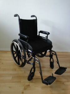 Fauteuil roulant, chaise roulante, wheelchair.