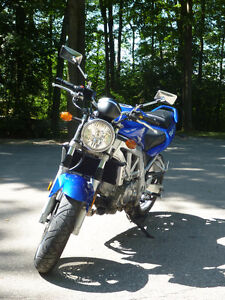 2004 Suzuki SV650 - Fuel Injected, Like New