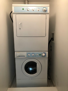 Frigidaire Washer & dryer (Stackable) perfect working condition