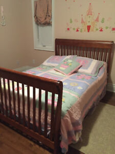 BEDROOM SET WITH CHEST OF DRAWERS AND DRESSER BED/CRIB