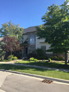 Oakville 4 bedroom Townhome for Lease