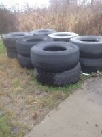 Manure spreader tires